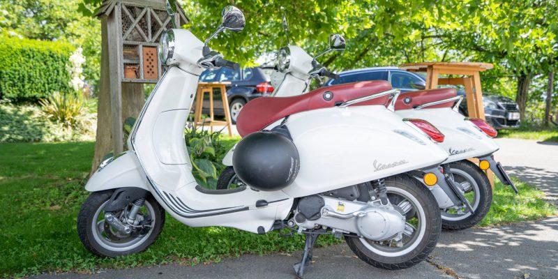 immer gerne gesehen - Vespas und Motorräder