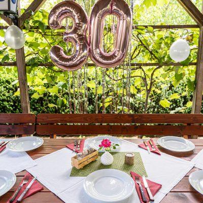 Gedeck für eine 30er Feier